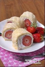 딸기비스퀴롤케이크